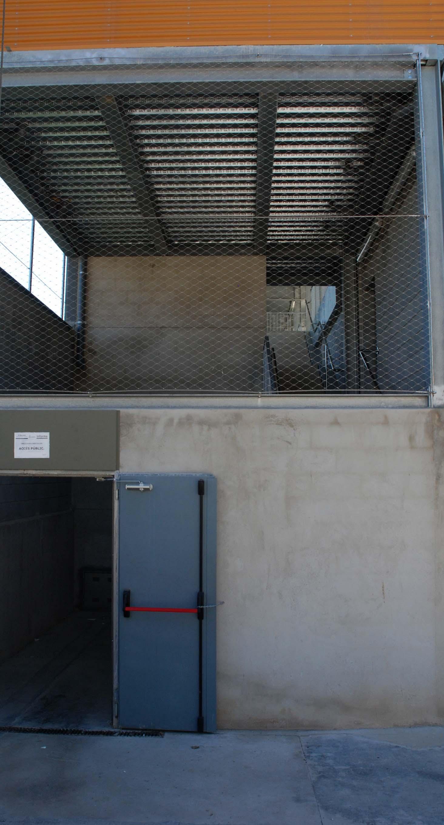 campo de futbol martorell barandilla de acero