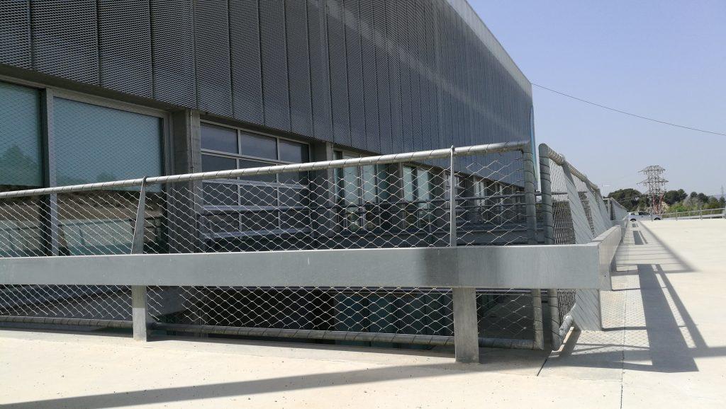 Barandillas fachada Campus Motor Anoia