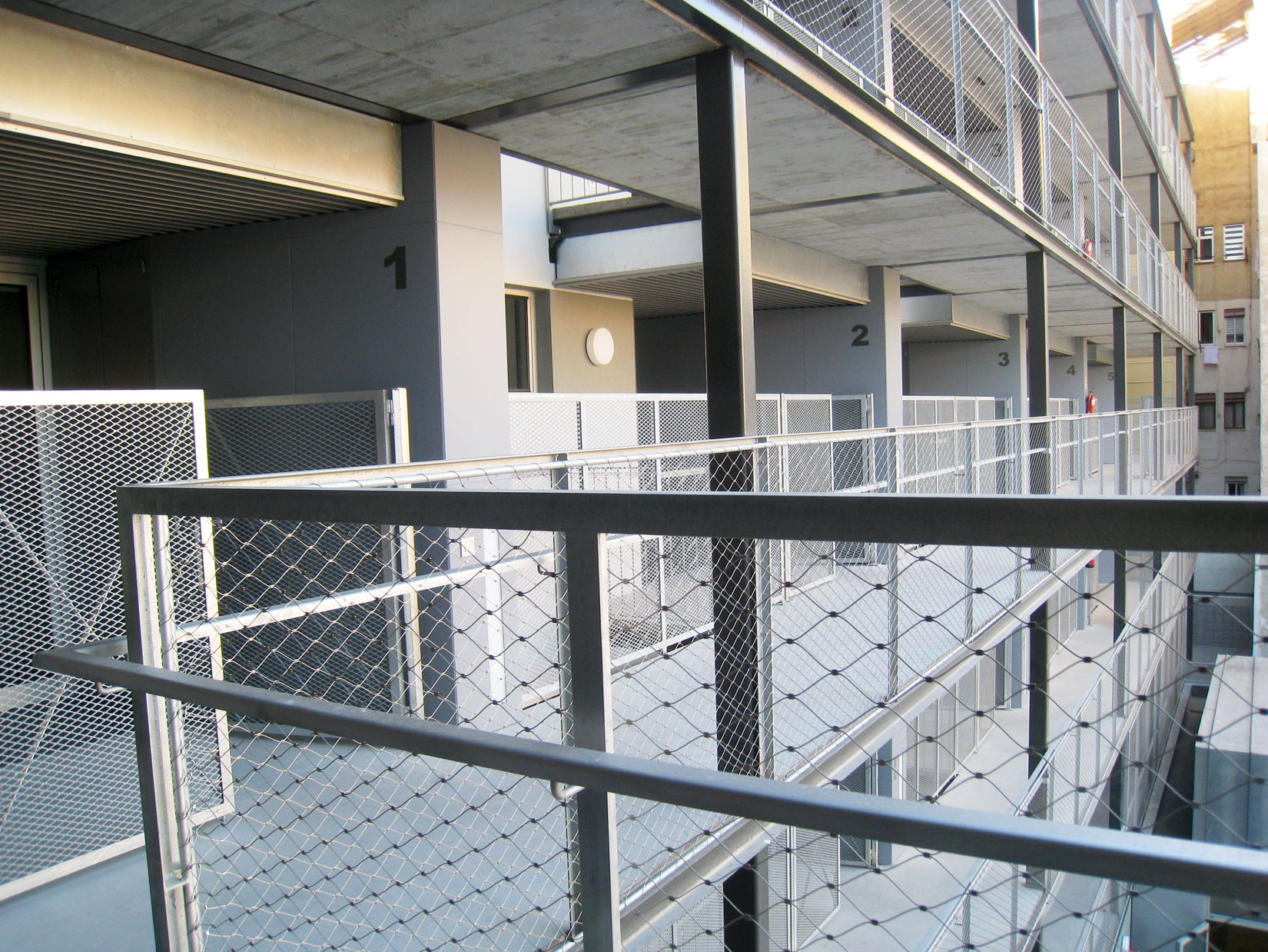 Edificio en la Barceloneta - Ernest Compta