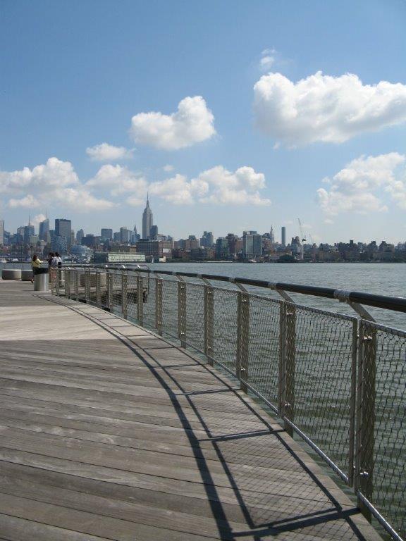 Hoboken Park Waterfront, New York-Vista lateral barandilla rellena de malla de cables X-TEND.