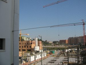 Mallas cables acero/Viviendas VPO Soliva/Estudio Ebra Arquitectura