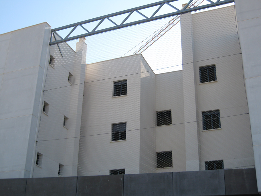 Malla metálica/Viviendas VPO Soliva/Estudio Ebra Arquitectura