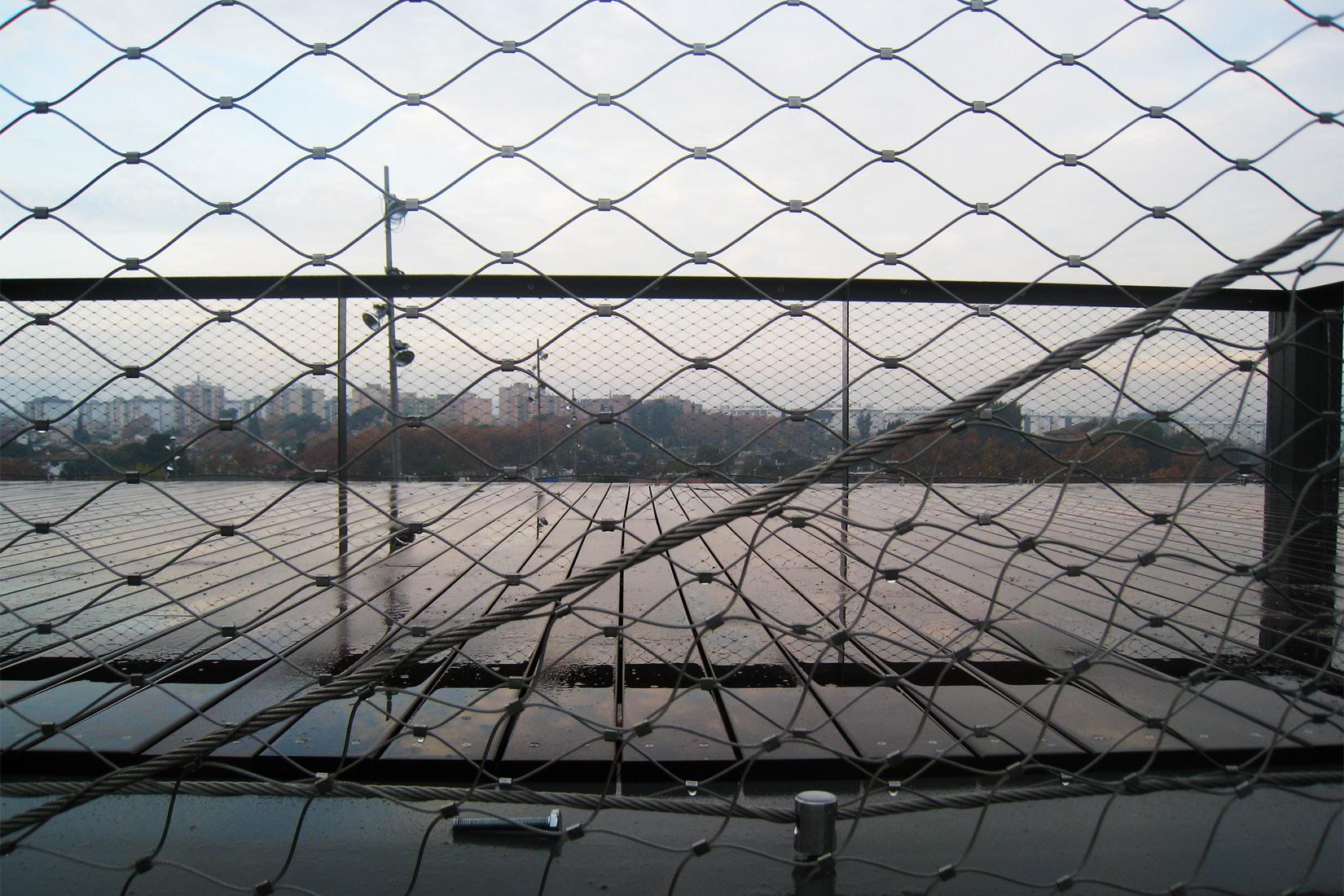Urbanización Plaza Riu Sec -Pasarela peatonal-puente- Montserrat Periel AMB